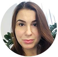 Анастасия Тугбаева — директора по маркетингу холдинга dmi