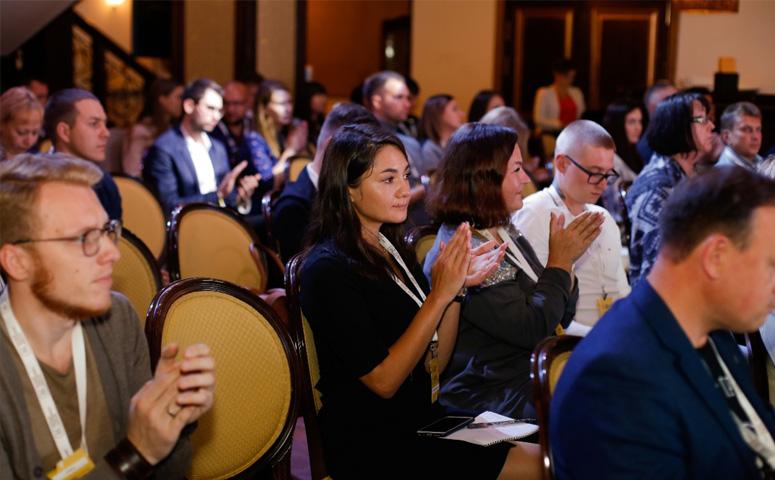 Двухдневная конференция «Партнерство, ведущее к успеху», организованная крупнейшим уральским онлайн-ритейлером «Первым гипермаркетом мебели», с аншлагом прошла в середине сентября в Челябинске