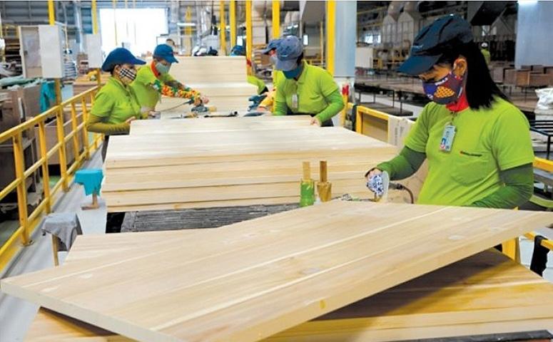 Вьетнам обогнал Китай по объемам поставок мебели в США.